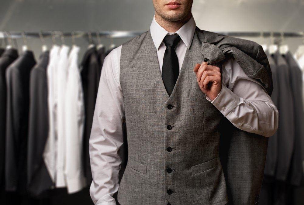 Giv et tøjstativ i fars dags gave til manden, der har alt